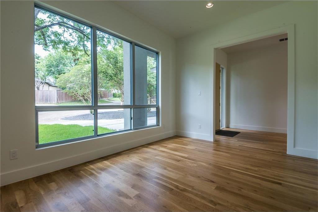 Sold Property | 1810 Loving Avenue Dallas, Texas 75214 4