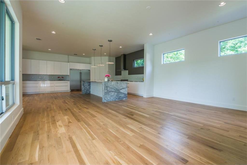 Sold Property | 1810 Loving Avenue Dallas, Texas 75214 8