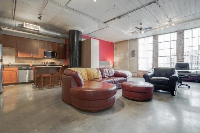 Sold Property | 1122 Jackson Street #706 Dallas, Texas 75202 2