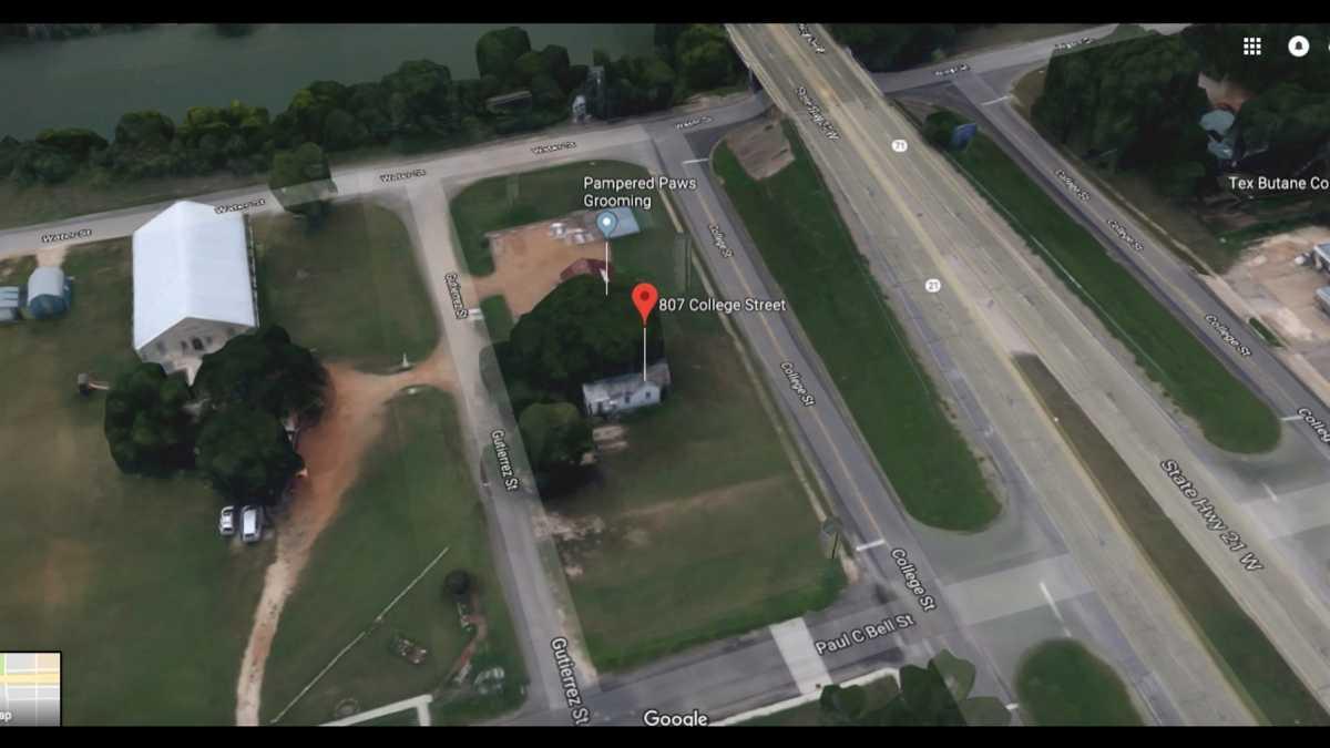 Commercial Lot for Sale Bastrop TX | 807 College St Bastrop, TX 78602 5