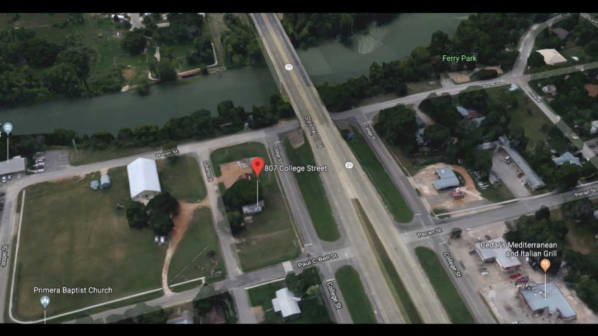 Commercial Lot for Sale Bastrop TX | 807 College St Bastrop, TX 78602 3
