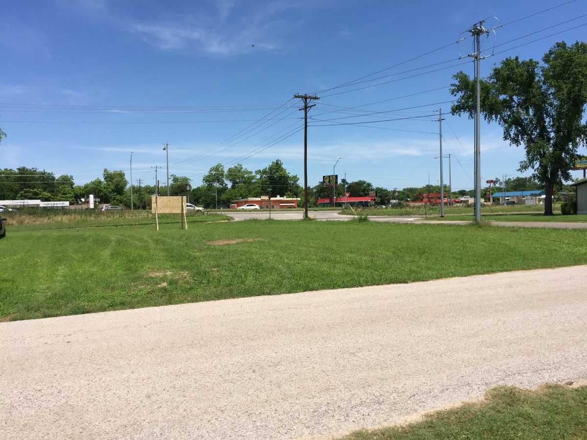Commercial Lot for Sale Bastrop TX | 807 College St Bastrop, TX 78602 9