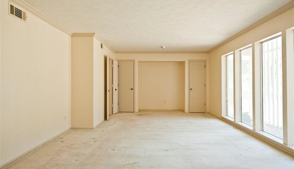 Sold Property | 4308 Laren Lane Dallas, Texas 75244 3