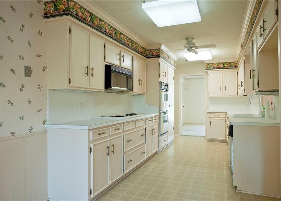 Sold Property | 4308 Laren Lane Dallas, Texas 75244 8