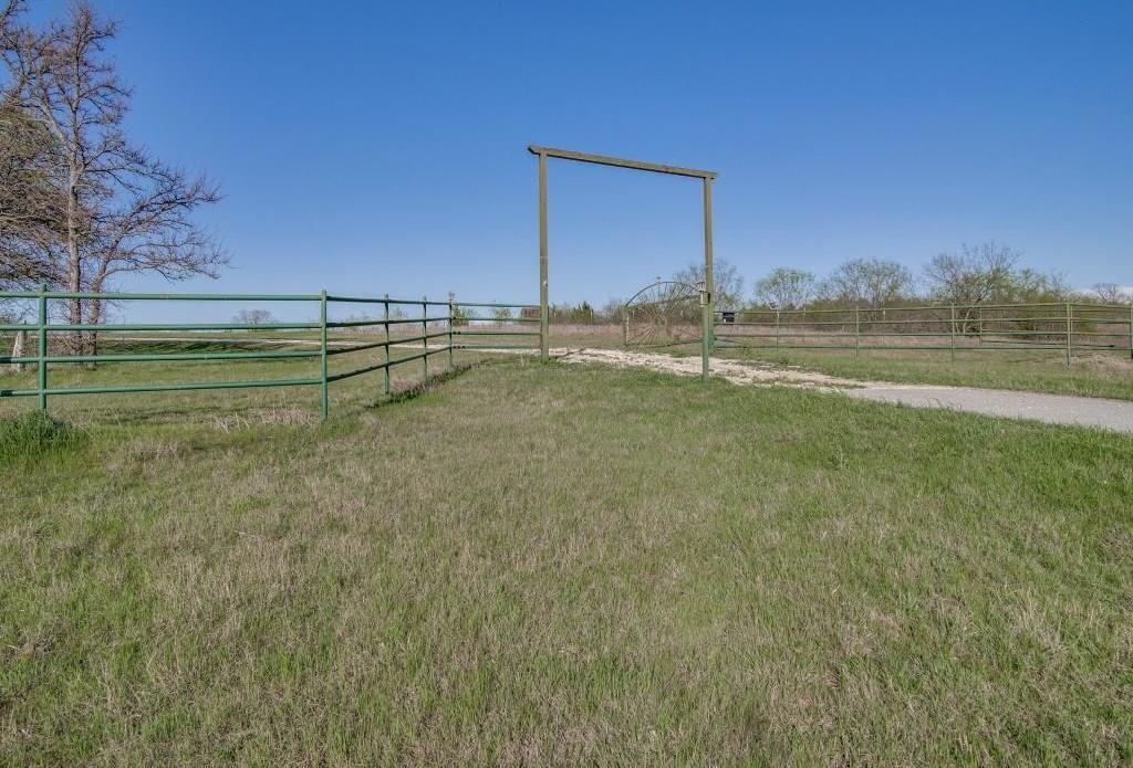 Not on MLS | 4477 Hwy 82  Bells, Texas 75414 24