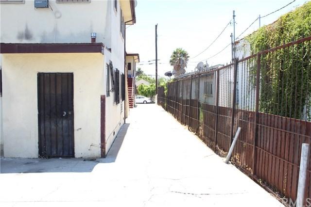 Closed | 811 W 97th Street Los Angeles, CA 90044 3