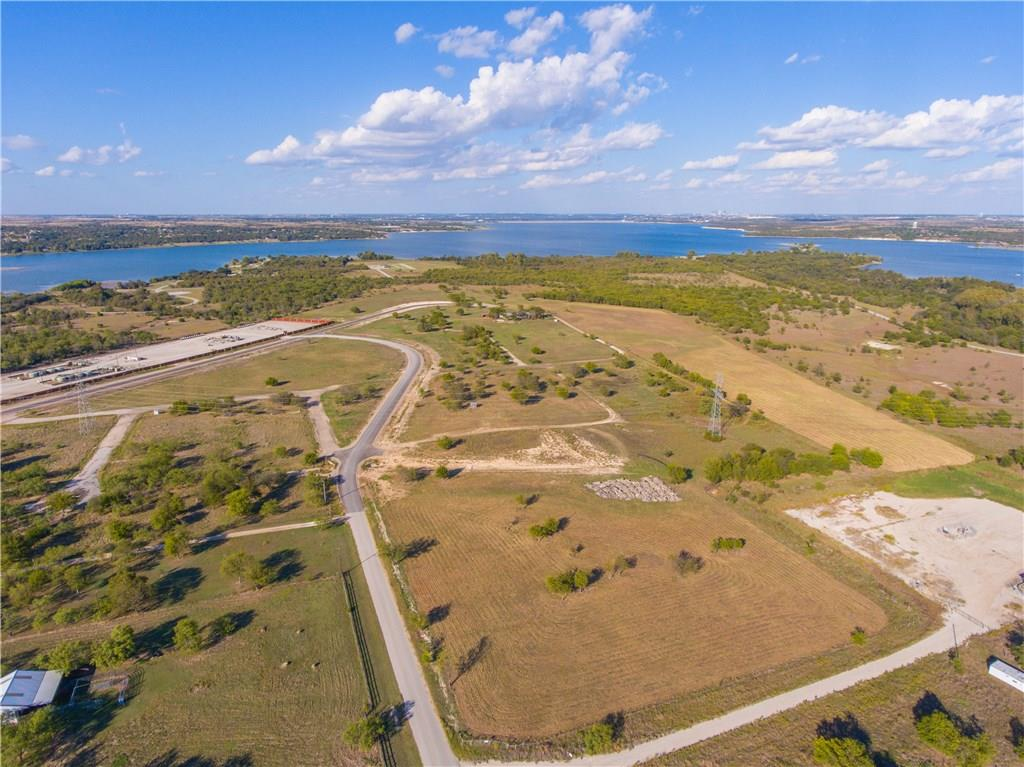 Sold Property | 8023 Hencken Ranch Road Fort Worth, Texas 76126 4