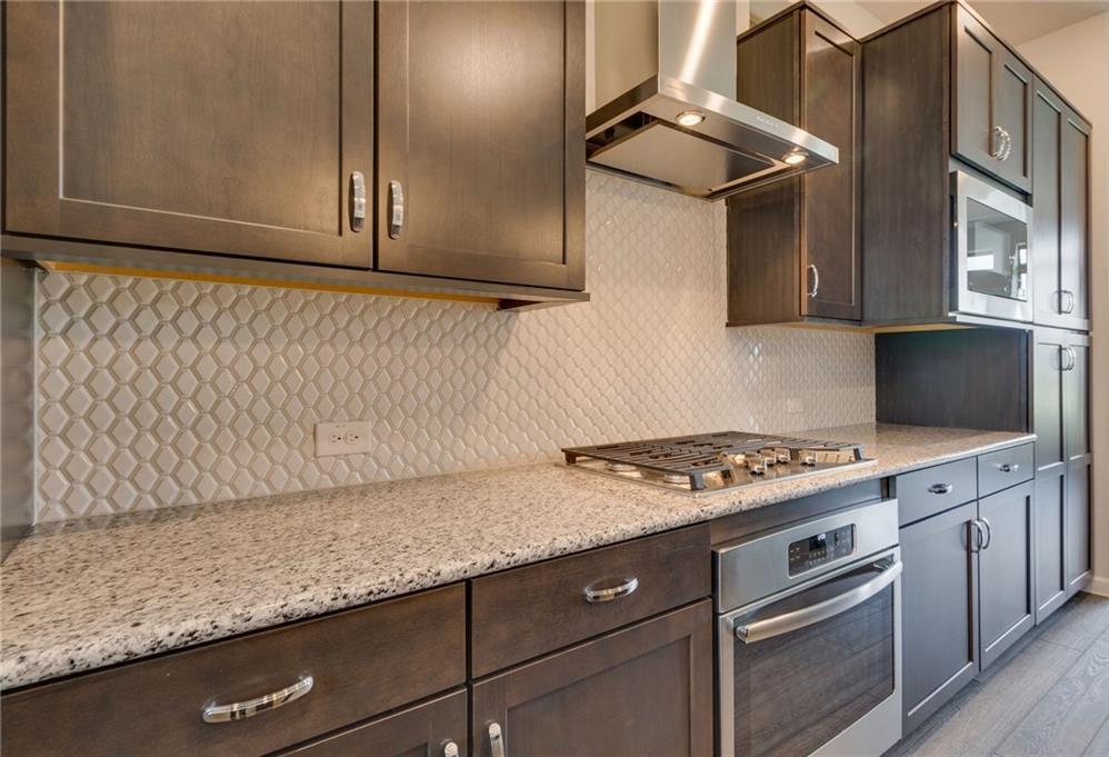 Sold Property   1071 Tea Olive Lane Dallas, Texas 75212 9