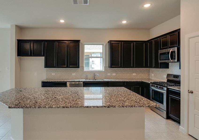 Sold Property | 1909 Highlander Court Fort Worth, Texas 76120 2