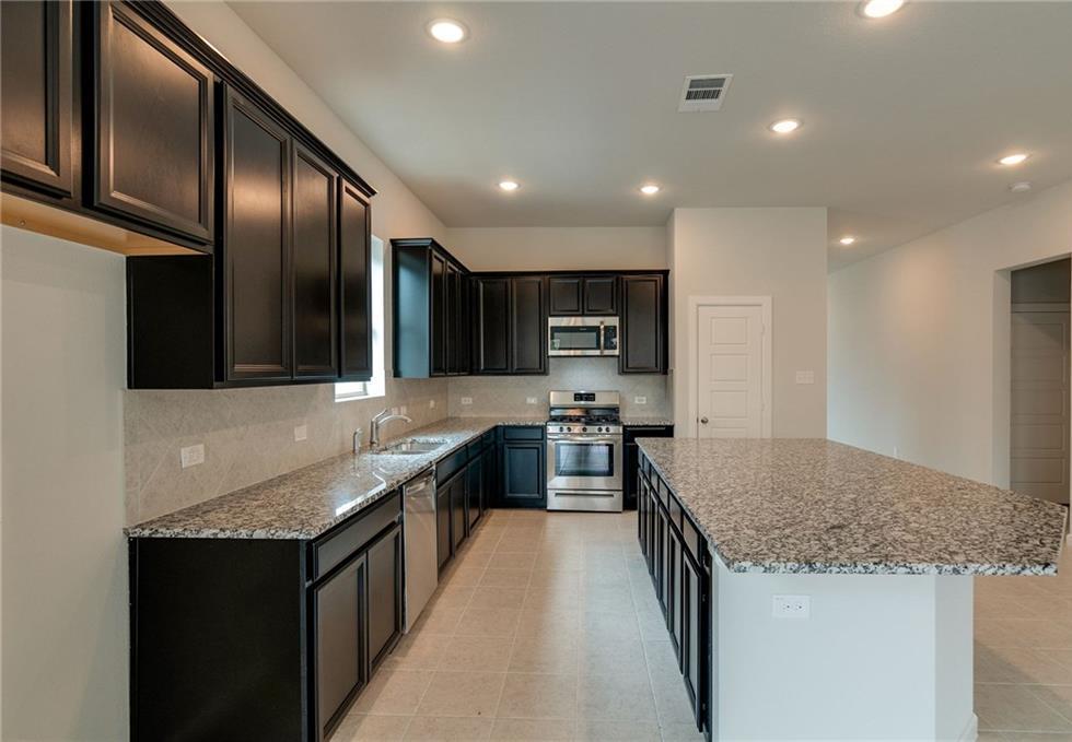 Sold Property | 1909 Highlander Court Fort Worth, Texas 76120 9