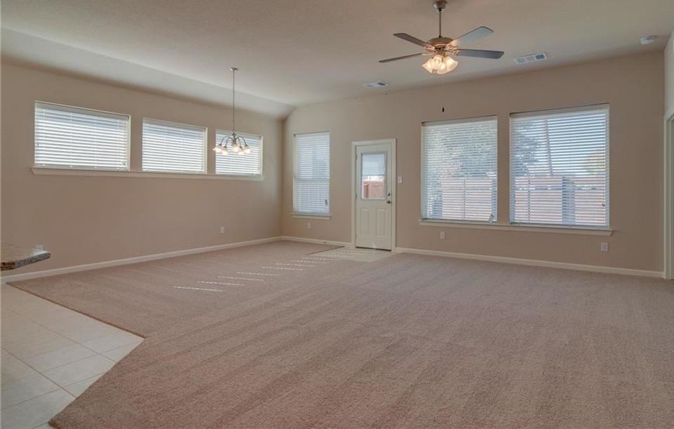 Sold Property | 1904 Highlander Court Fort Worth, Texas 76120 2
