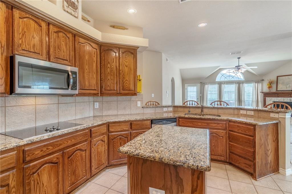 Sold Property   2302 River Canyon Lane Garland, Texas 75041 12