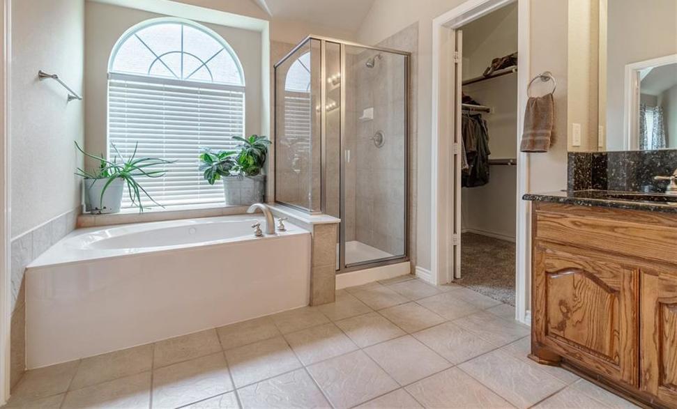 Sold Property   2302 River Canyon Lane Garland, Texas 75041 24