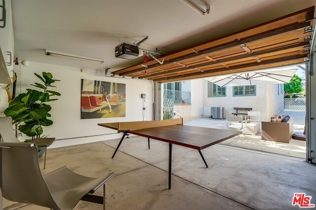 Closed | 9014 NORMA  Place West Hollywood, CA 90069 48