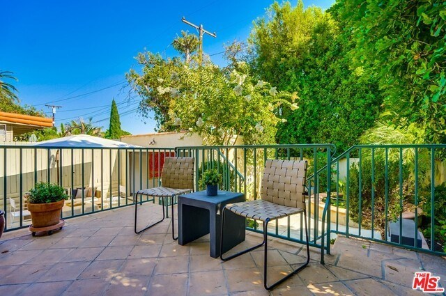 Closed | 9014 NORMA  Place West Hollywood, CA 90069 49
