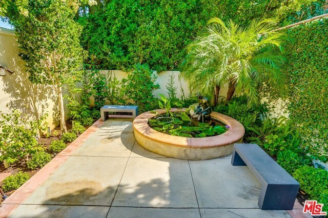 Closed | 9014 NORMA  Place West Hollywood, CA 90069 50