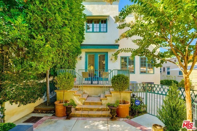 Closed | 9014 NORMA  Place West Hollywood, CA 90069 51