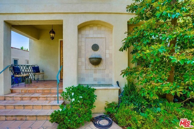Closed | 9014 NORMA  Place West Hollywood, CA 90069 4