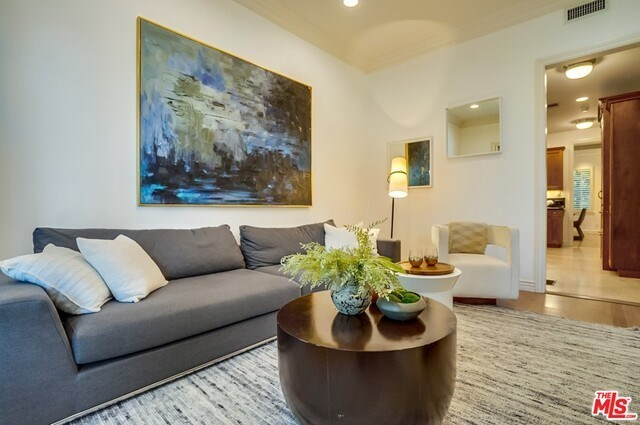 Closed | 9014 NORMA  Place West Hollywood, CA 90069 16