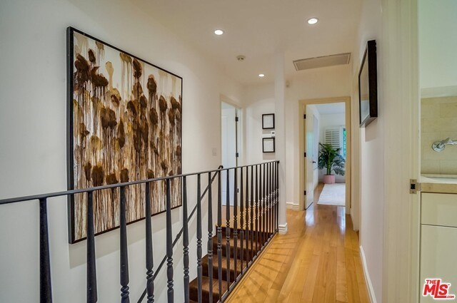 Closed | 9014 NORMA  Place West Hollywood, CA 90069 26