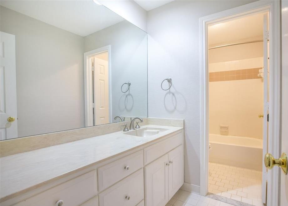 Sold Property   4702 Parliament Court Arlington, Texas 76017 12