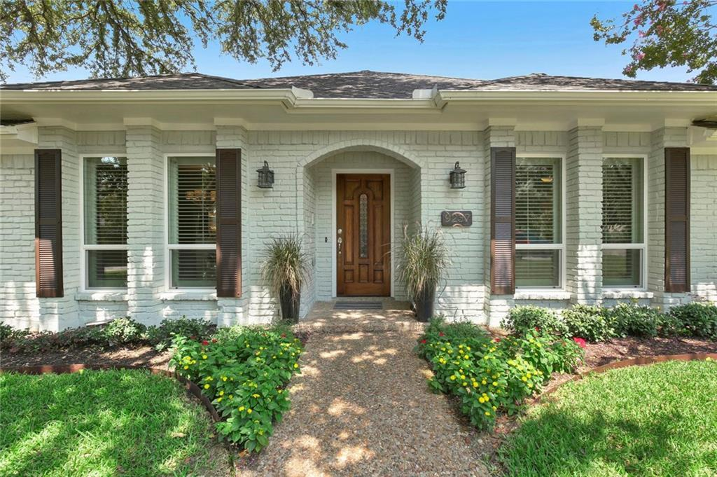 Sold Property | 9237 Moss Farm Lane Dallas, Texas 75243 3