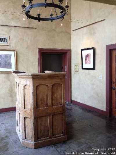 Property for Rent   212 N Losoya  San Antonio, TX 78205 2