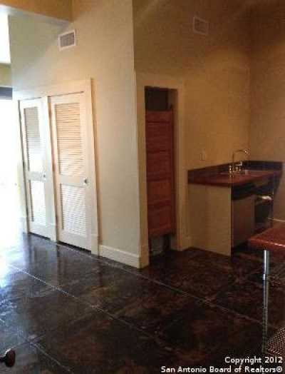 Property for Rent   212 N Losoya  San Antonio, TX 78205 4