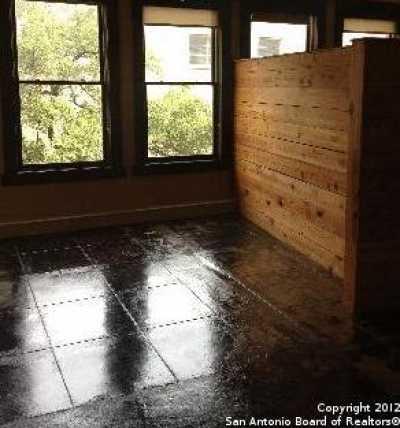Property for Rent   212 N Losoya  San Antonio, TX 78205 5