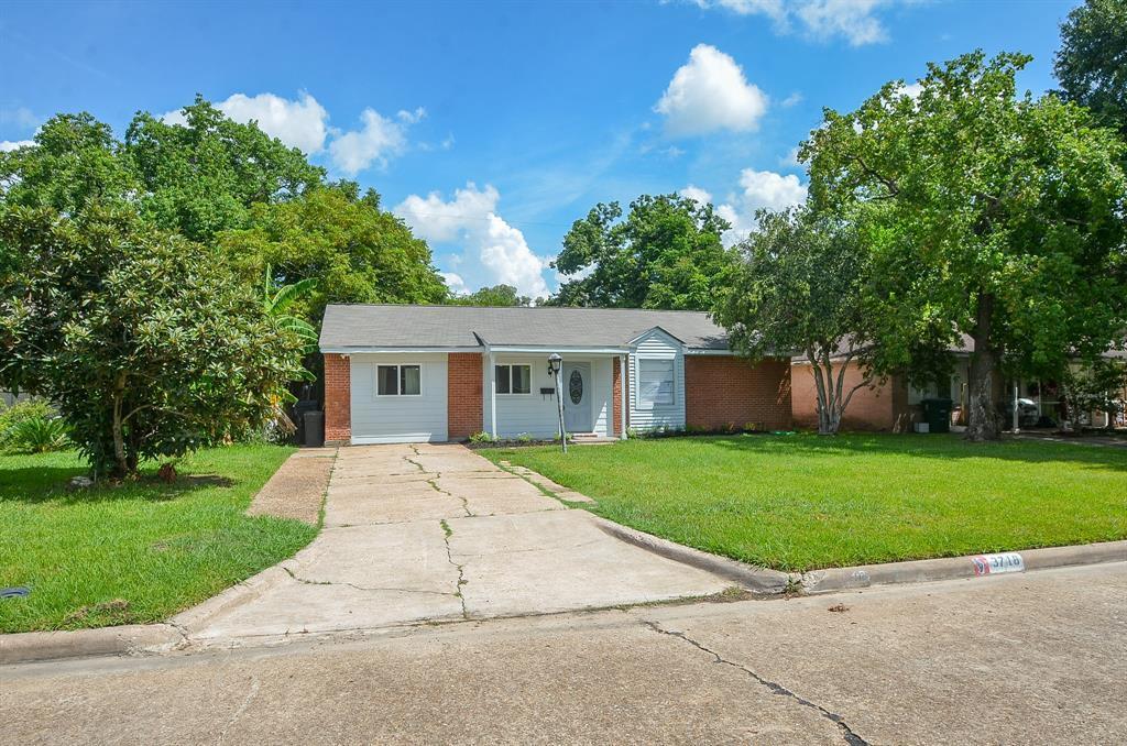 Off Market   3718 Darlinghurst Drive Houston, Texas 77045 1
