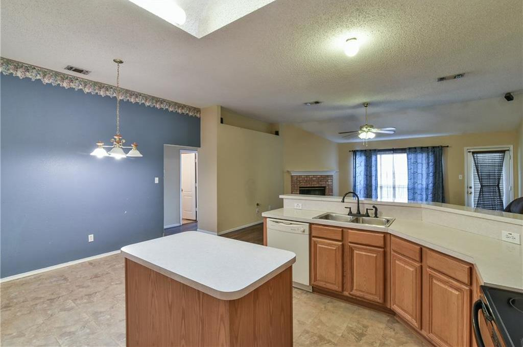 Sold Property | 2301 Green Mere Drive Arlington, Texas 76001 13