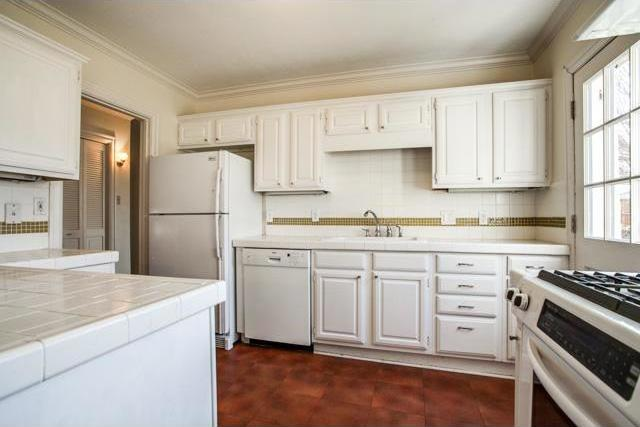 Sold Property | 6022 Revere Place Dallas, Texas 75206 9