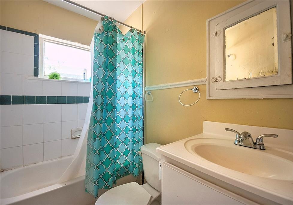Sold Property   4620 E Side Avenue Dallas, Texas 75226 23