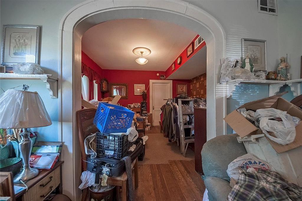Sold Property   4620 E Side Avenue Dallas, Texas 75226 25