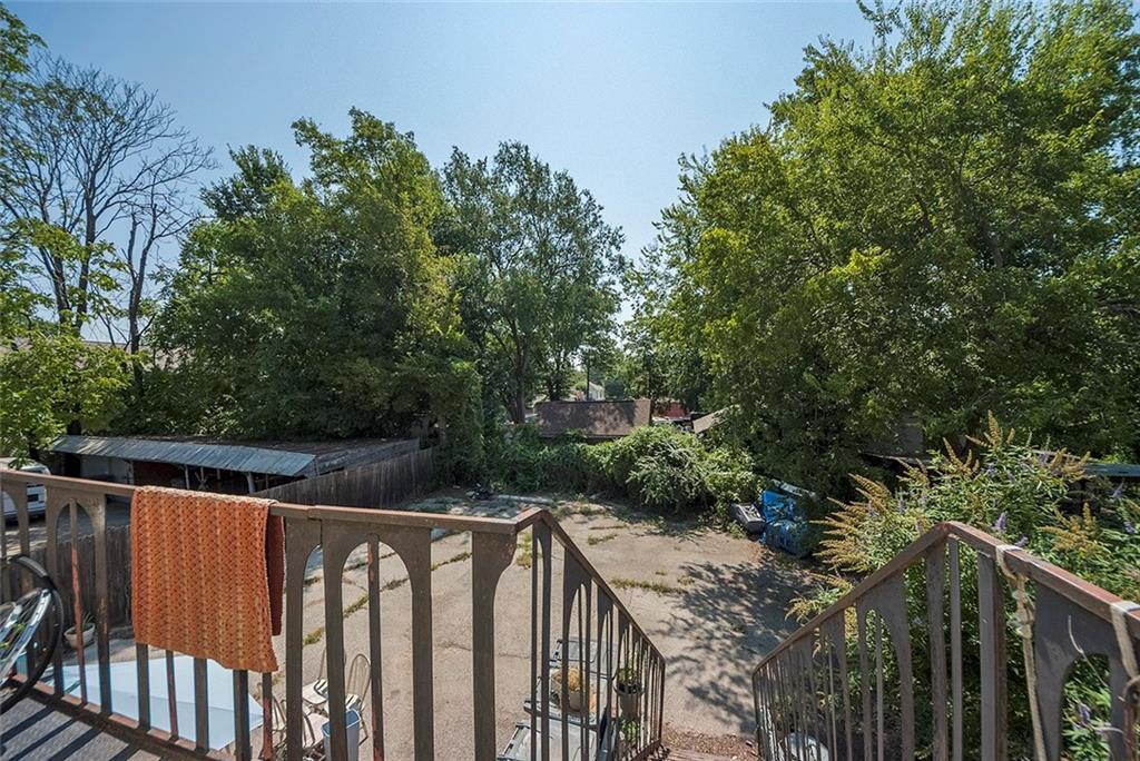 Sold Property   4620 E Side Avenue Dallas, Texas 75226 29