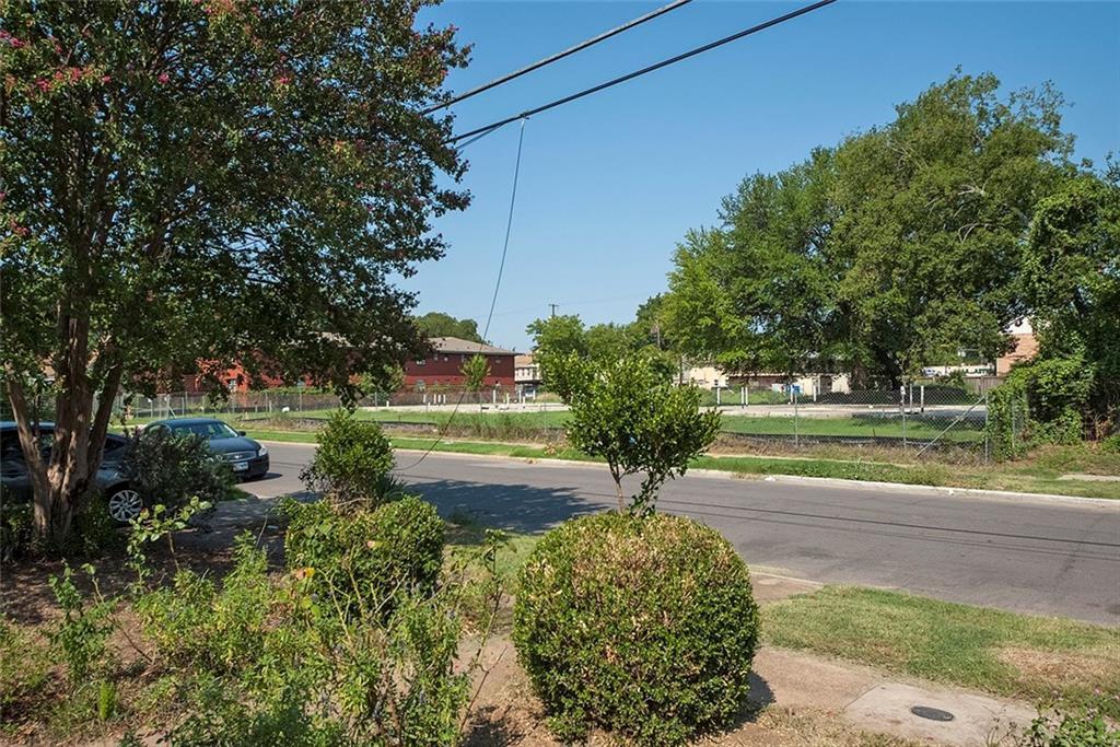 Sold Property   4620 E Side Avenue Dallas, Texas 75226 9