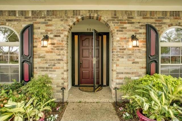 Sold Property | 906 Windsong Trail Richardson, Texas 75081 2