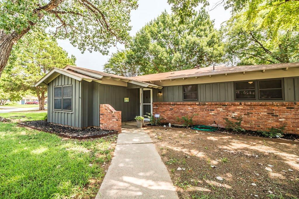 Sold Property | 625 Woodside Drive Hurst, Texas 76053 4