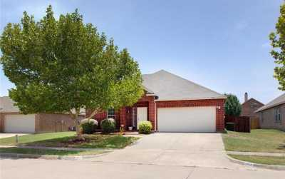 Sold Property | 504 Calgaroo Place Arlington, Texas 76002 1