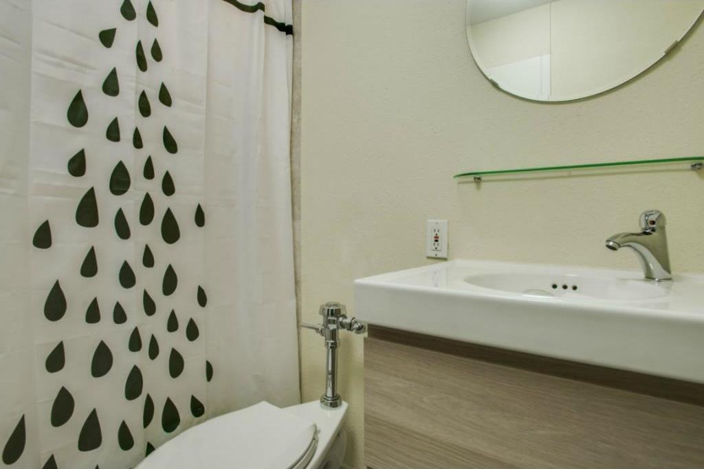 Sold Property | 3883 Turtle Creek Boulevard #817 Dallas, Texas 75219 12