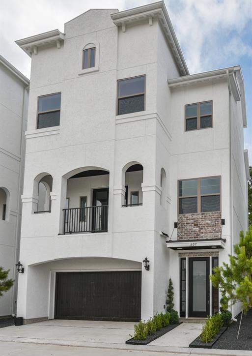 Off Market | 627 Mazal Street Houston, Texas 77009 3