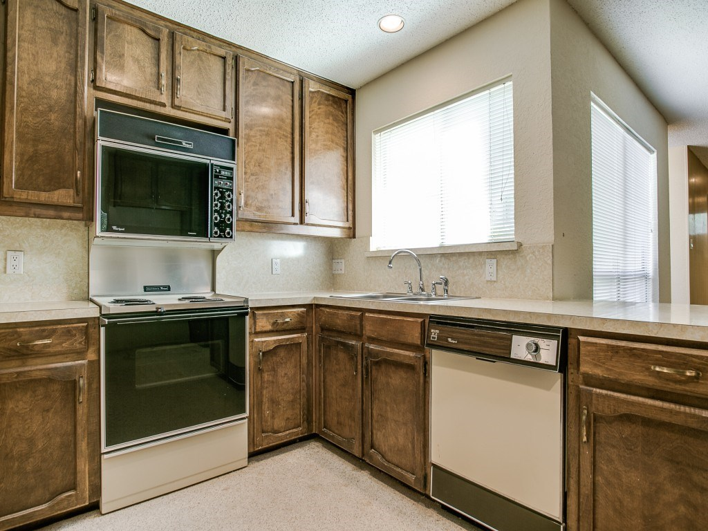 Sold Property | 2215 Winter Sunday Way Arlington, Texas 76012 10
