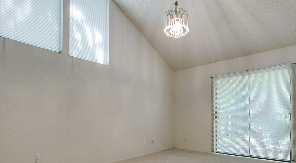 Sold Property | 2215 Winter Sunday Way Arlington, Texas 76012 3
