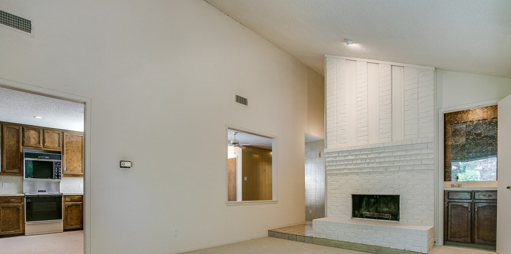 Sold Property | 2215 Winter Sunday Way Arlington, Texas 76012 6