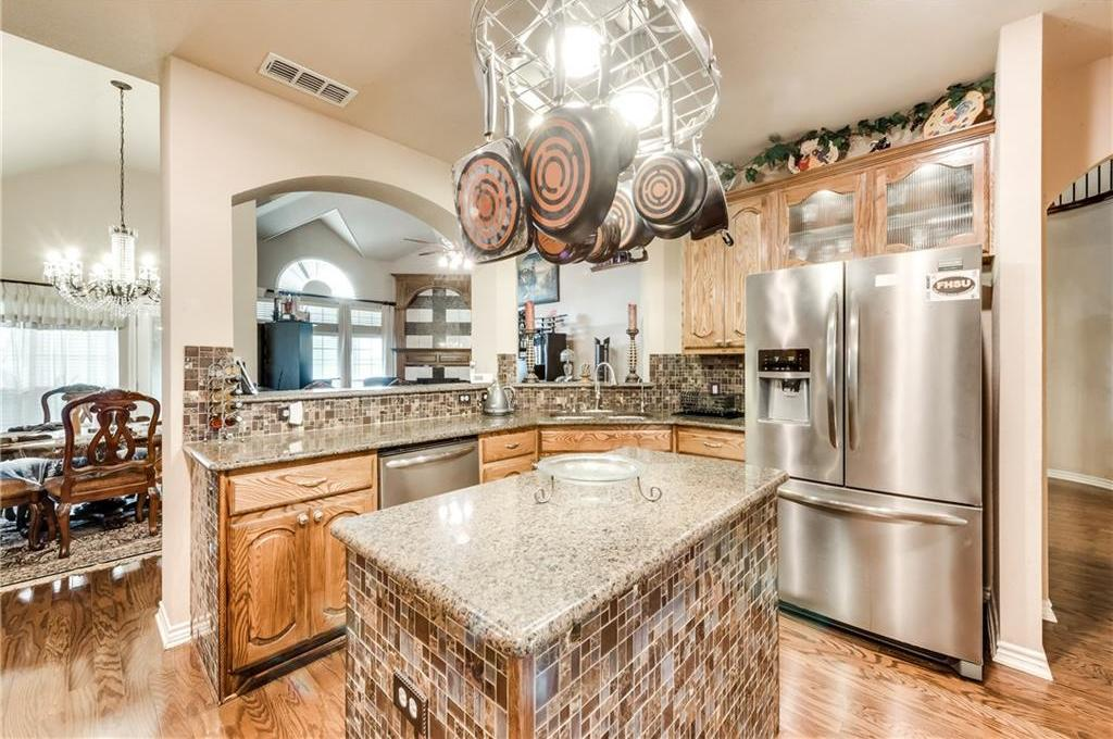Sold Property   400 Running Water Trail Fort Worth, Texas 76131 17