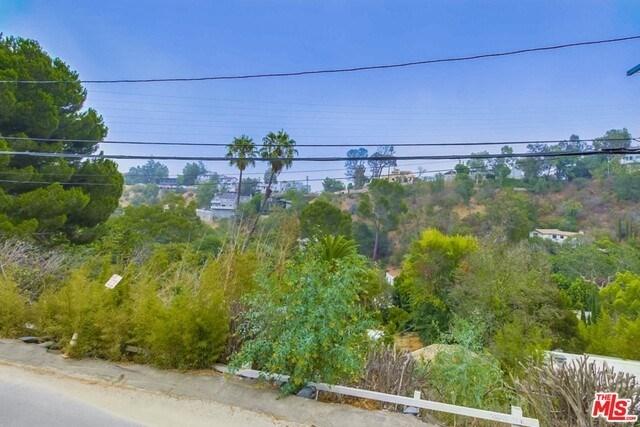 Closed | 8588 APPIAN  Way Los Angeles, CA 90046 8