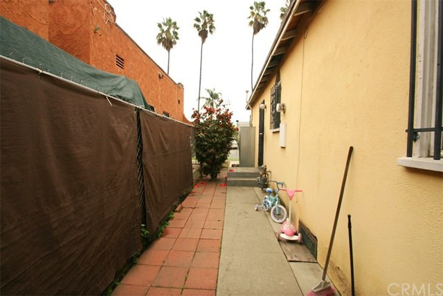 Off Market | 1009 E 73rd Street Los Angeles, CA 90001 27