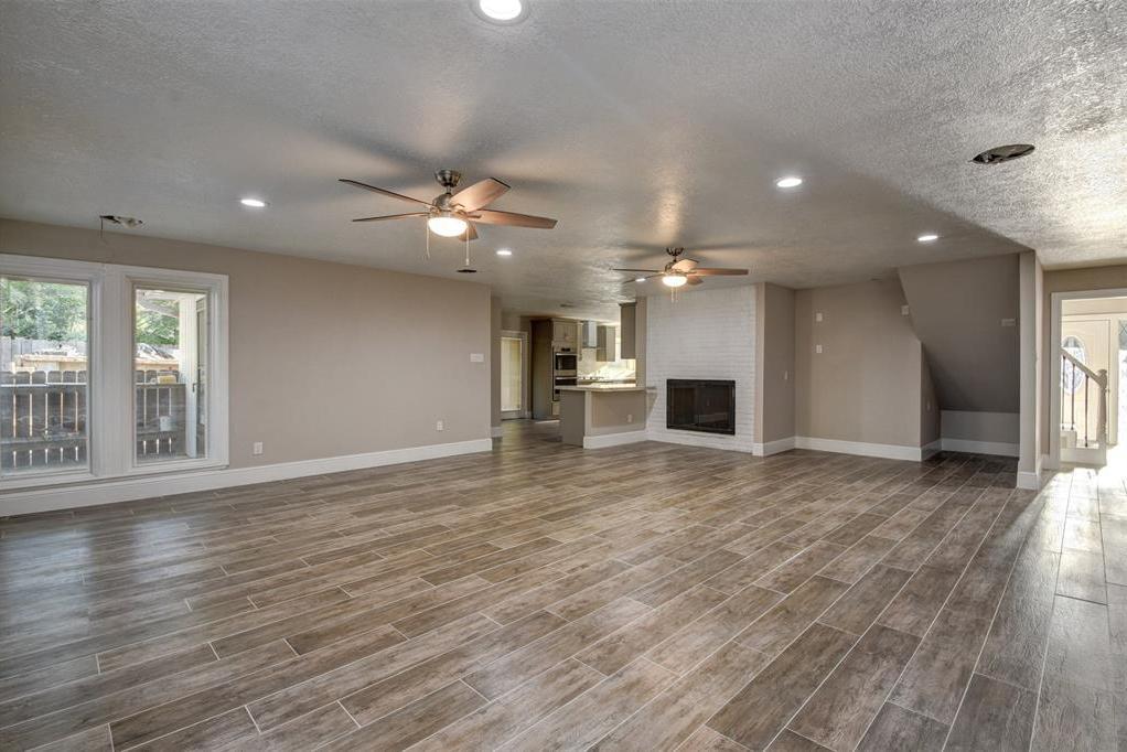 Active   627 Thistlewood Drive Houston, TX 77079 27