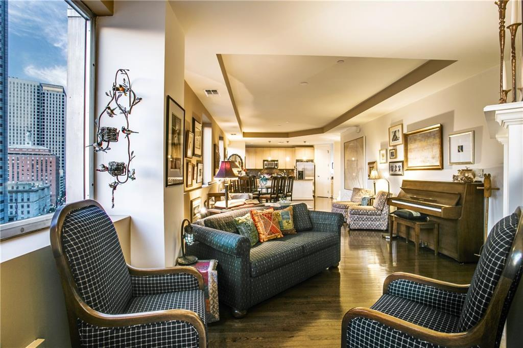 Sold Property | 1505 Elm Street #1104 Dallas, TX 75201 3