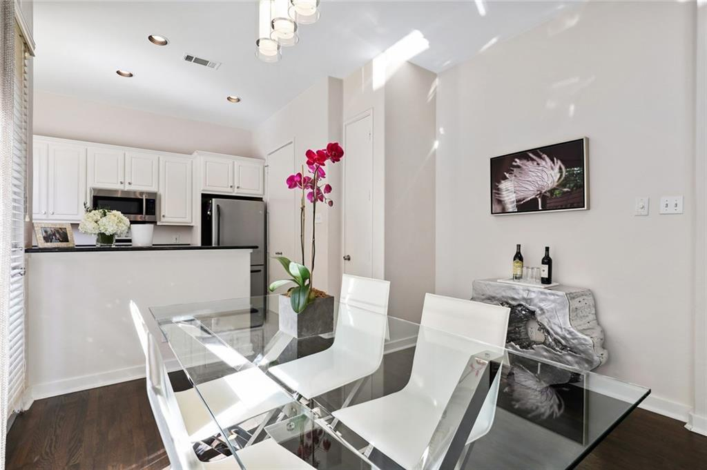 Sold Property   4119 Throckmorton Street Dallas, Texas 75219 10